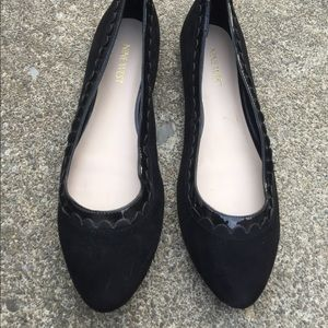 Women's Nine West Black Leather Scalloped Flats 8M